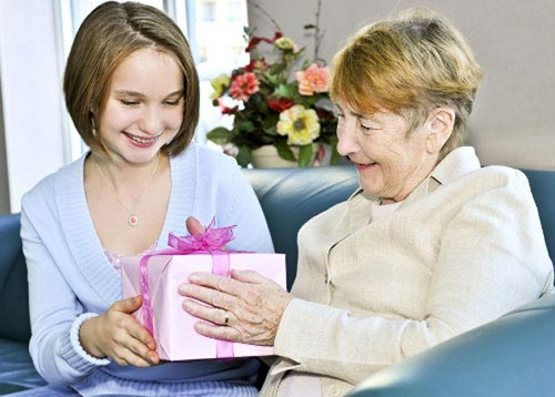 Подарок бабушке к Новому году