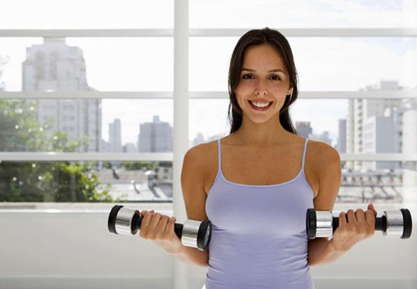5 эффективных упражнений, чтобы подтянуть грудь в домашних условиях