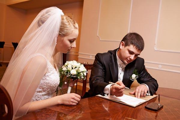 Любовь и деньги: брачный контракт