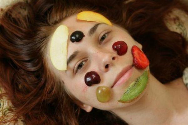 fruktovyie-maski-dlya-litsa2