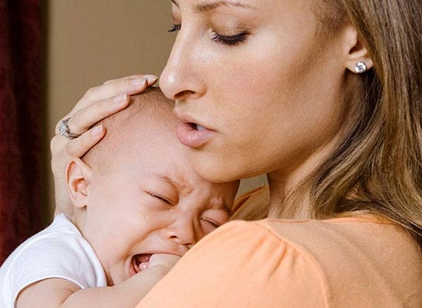 Почему ребенок плачет? Ликбез для родителей