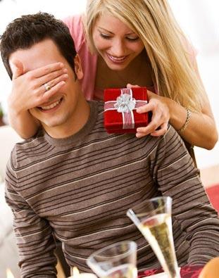 Подарок мужчине: зажим для денег