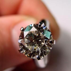 Кольца с бриллиантами - по какому поводу дарить?