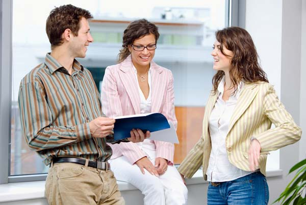 Стоит ли искать друзей на работе?