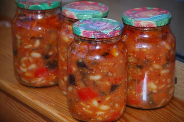 Салат из овощей с фасолью (консервация на зиму)