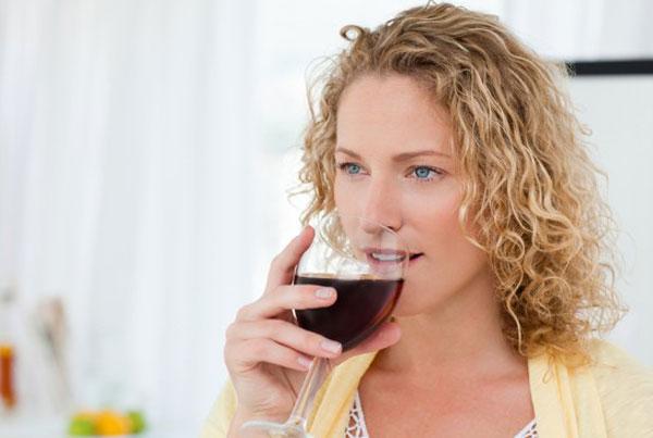 Влияние алкоголя на женщин: 8 фактов