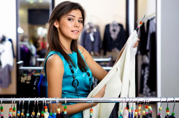 5 правил, как сэкономить на стильной одежде