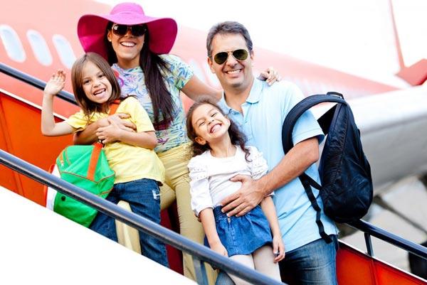 Как безопасно отдохнуть за границей всей семьей?