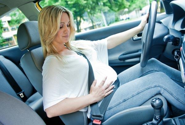 8 правил поведения за рулем машины во время беременности