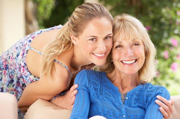 Как поздравить маму в День ее рождения