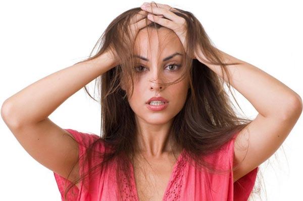Почему выпадают волосы и как с этим бороться?