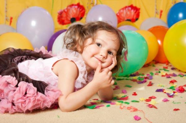Что подарить девочке на два-три года