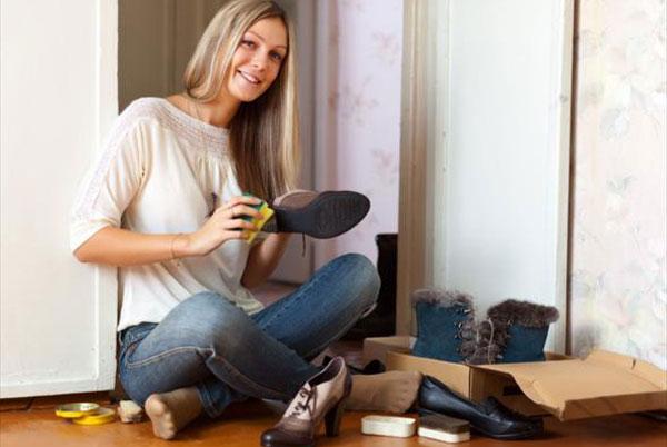 Замшевая обувь: особенности ухода
