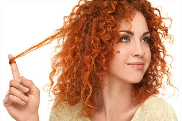 Как правильно ухаживать за вьющимися волосами