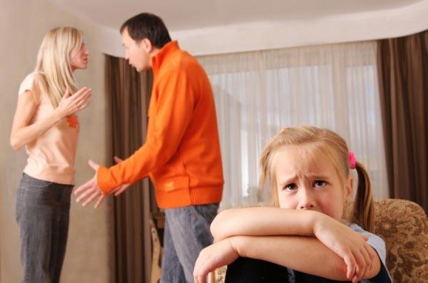 5 причин, почему не стоит сохранять брак ради детей