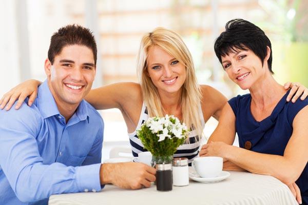Как выстроить отношения со свекровью и сохранить гармонию в семье?