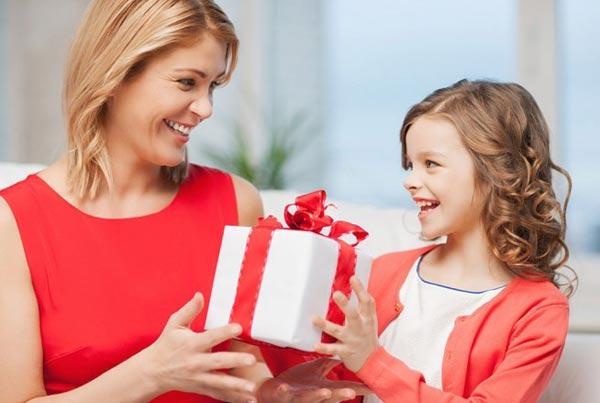 Что подарить девочке на пять лет