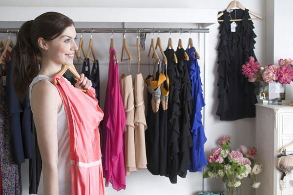 Вечернее платье должно быть в гардеробе каждой дамы