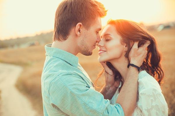 Как завоевать сердце мужчины: женские хитрости и практические советы