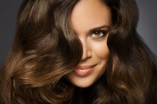 Длинные и густые волосы. 5 процедур для ускорения роста
