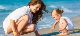 Как правильно вести себя с детьми на пляже?