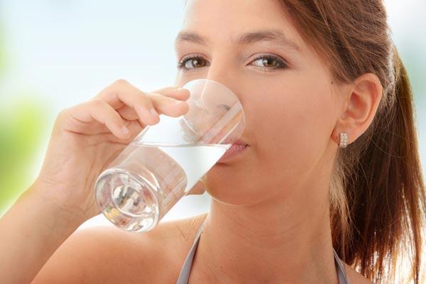 Вода – главный продукт при похудении