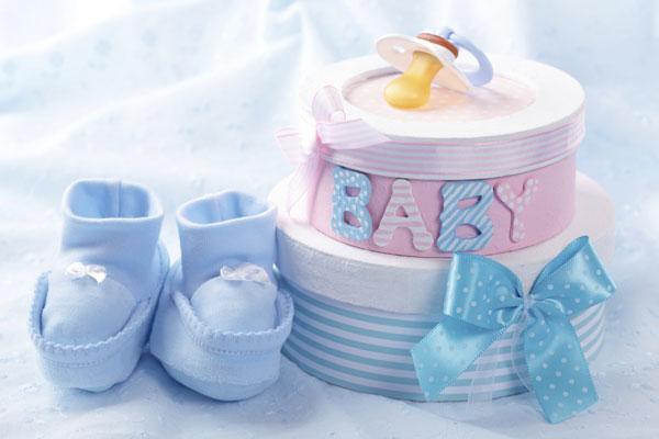 Что полезного и нужного можно подарить на рождение малыша