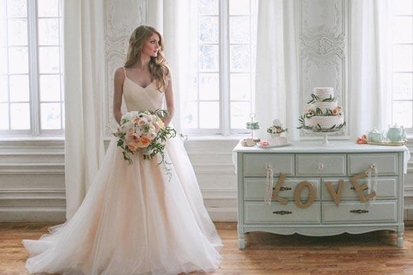 Как выбрать недорогое свадебное платье
