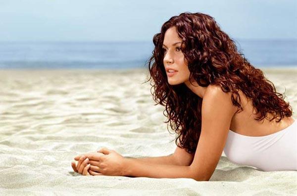 Правильный уход за волосами в летний период
