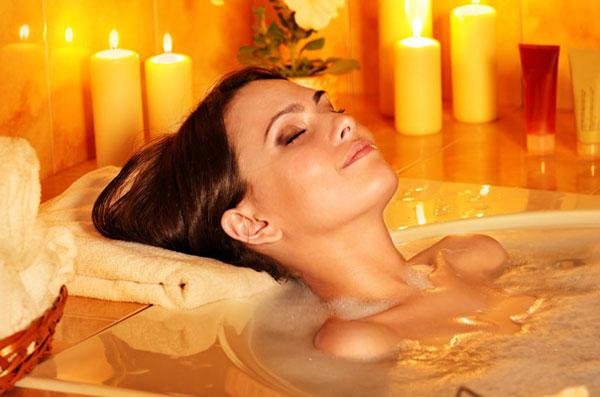 Ароматические ванны: секреты здоровья и женской красоты