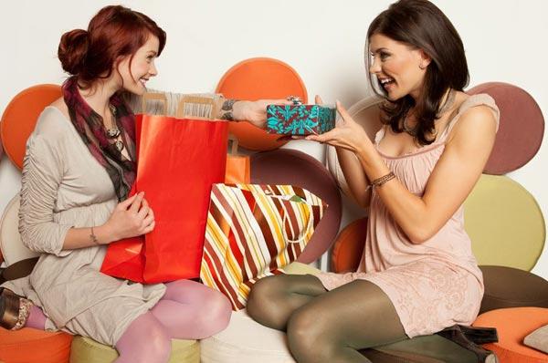 Что подарить подруге, у которой все есть?