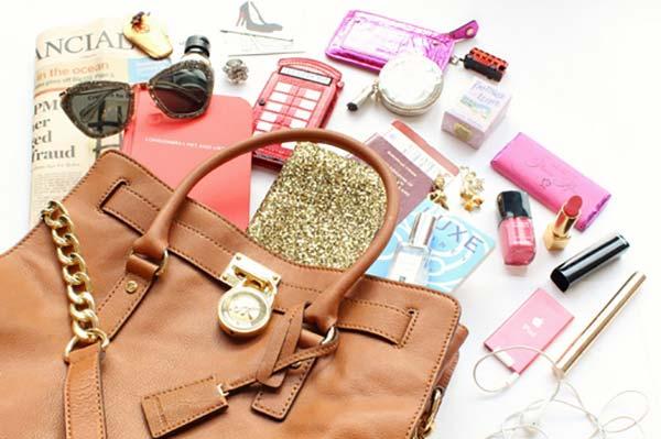 Женские сумочки - что в них можно хранить?