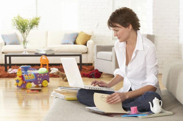 Работа на дому в декрете: преимущества и недостатки