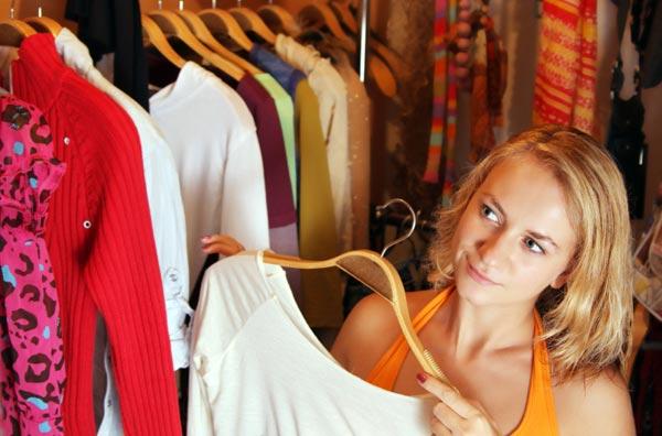 Почему стоковая одежда такая дешевая