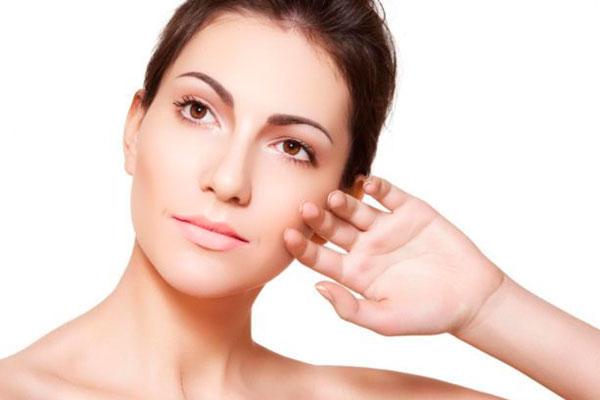 Как справиться с сухостью кожи лица?