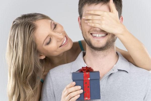 Подарки для мужчин: что можно и нельзя дарить