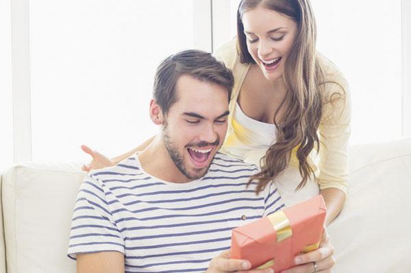 Интересные подарки: чем и как порадовать близкого человека?