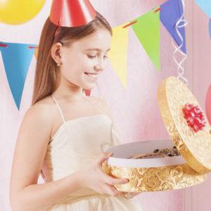 Что подарить девочке 10-13 лет на день рождения?