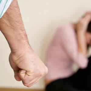 Как быть, если бьет муж?