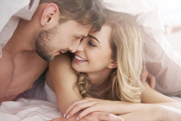 Как вернуть былую страсть в семейные отношения? 8 способов
