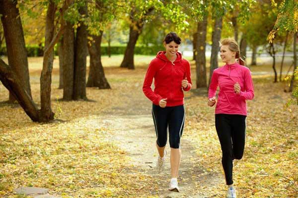 Выбираем женскую одежду для бега правильно