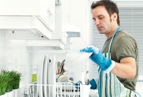 Как правильно распределить домашние обязанности в семье