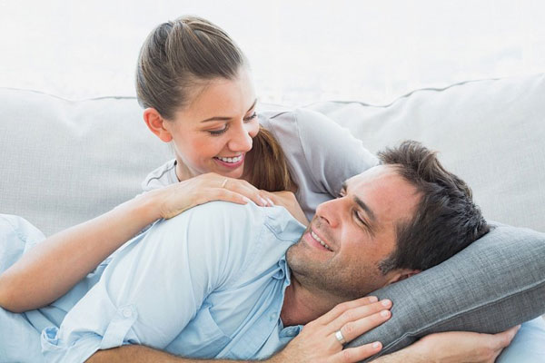 Как сохранить любовь и романтику в отношениях после свадьбы?