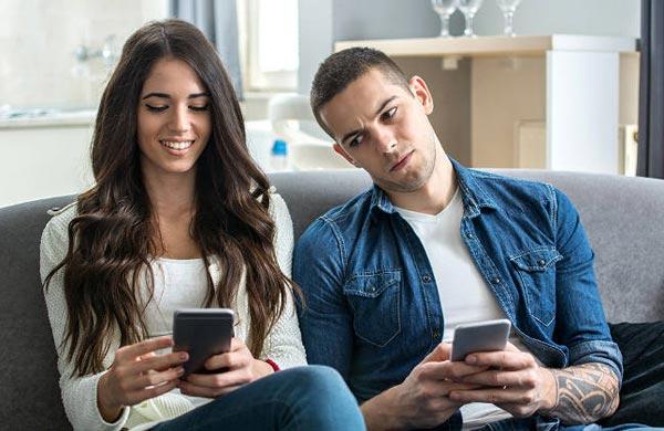 5 способов вызвать ревность и заинтересованность у мужчины