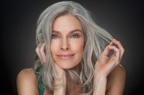 Седые волосы: почему их не стоит красить
