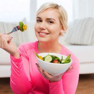 Как меньше съедать: 3 способа, доказанных современной наукой