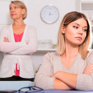 Как избавиться от влияния эгоистичной матери?