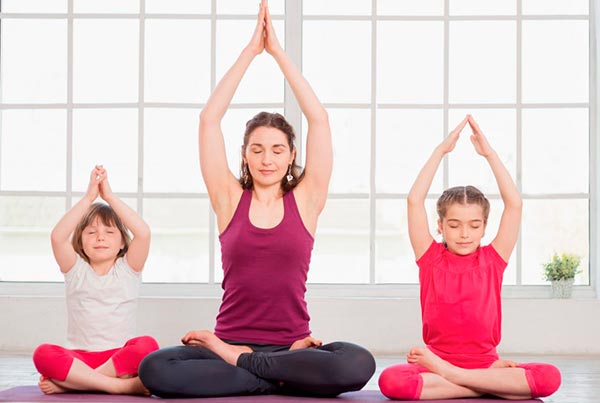 Йога: полезные занятия для детей