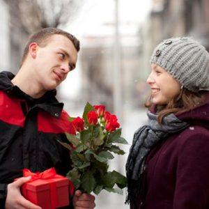 Как подарить зимой цветы, при этом не заморозив их?