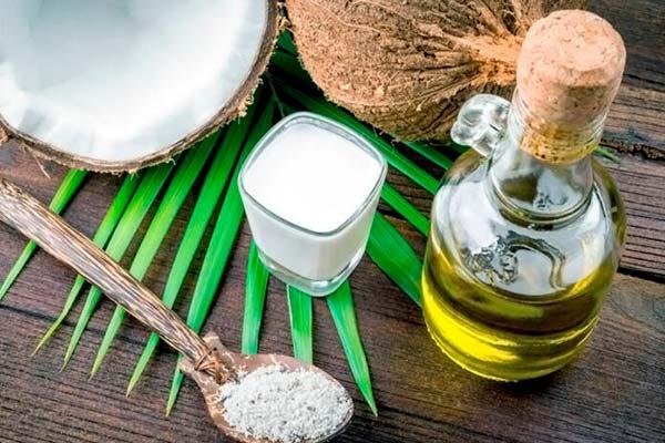 Кокосовое масло: польза для волос и кожи